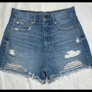 American Eagle Distressed Mom Short Size 0